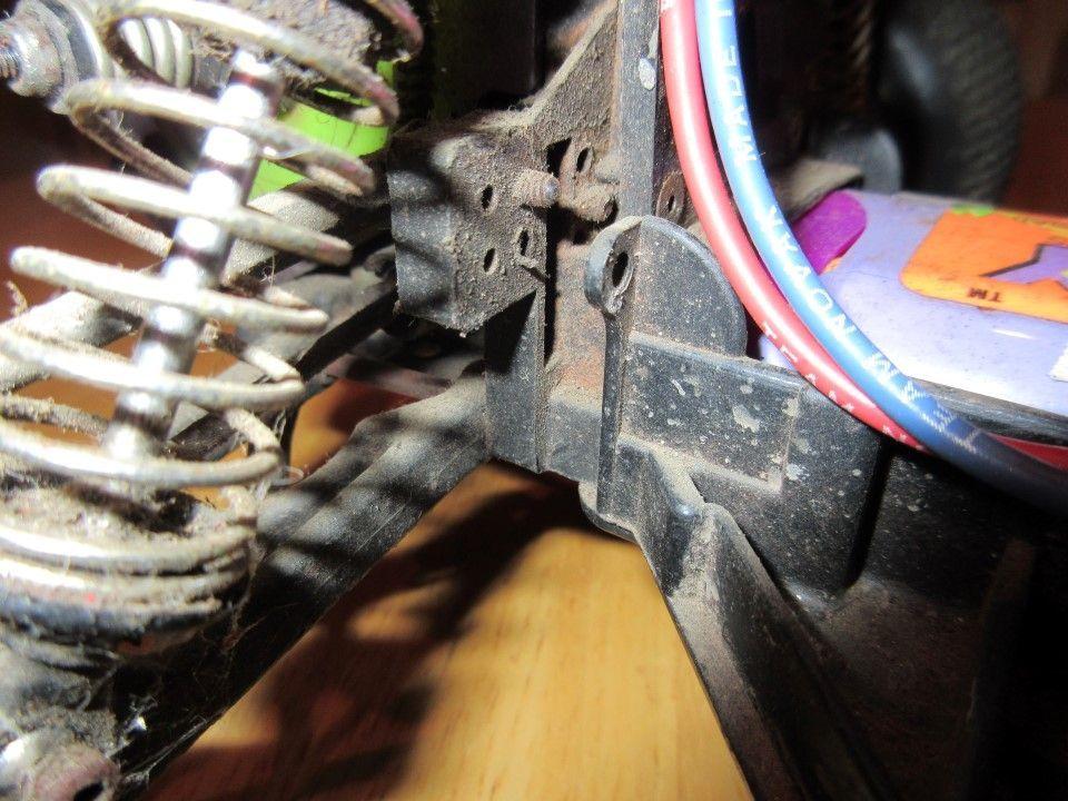 Team Losi LXT - Missing Rear Bulkhead Parts