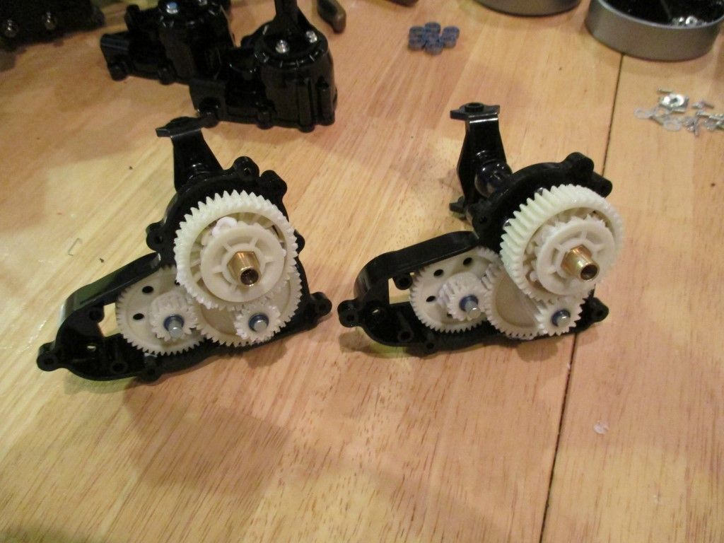 Differentials installed in gearboxes